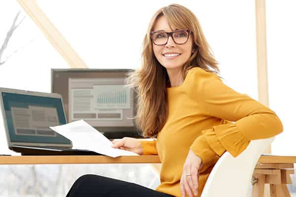 Woman-Researching-Investors-and-Syndicators