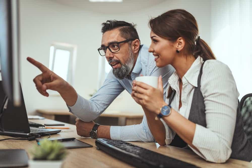 Advisor-Meeting-with-Client-Capital-Raisers